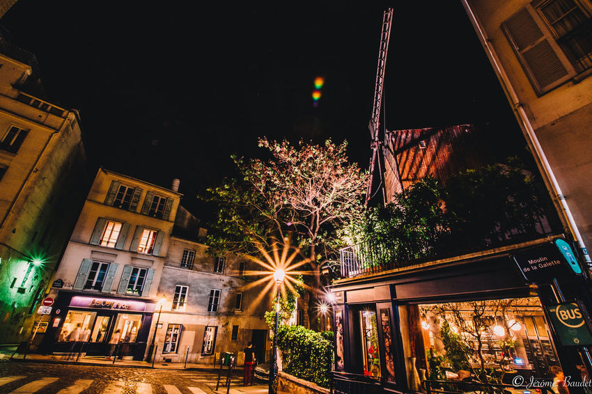 Montmartre Moulin Night Lights Nightphotography Windmill Architecture Building Exterior City Illuminated Night HUAWEI Photo Award: After Dark