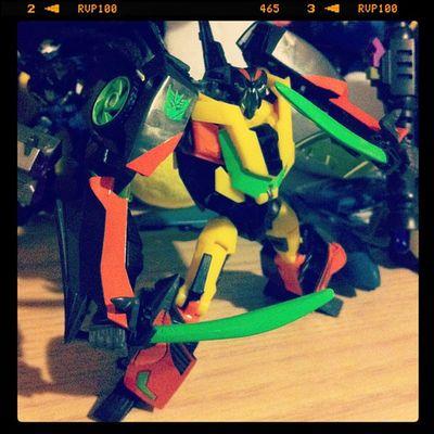 Dead End joins the fray. Transformers Decepticon Transformandriseup