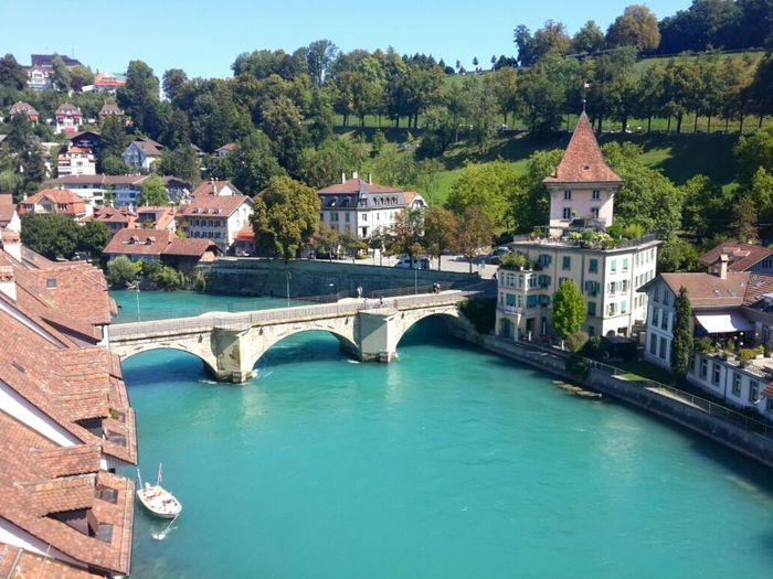 Bern, Switzerland . 她是个完全不像首都的首都,十分宁静,优雅,缓慢。City Street Photography Traveling