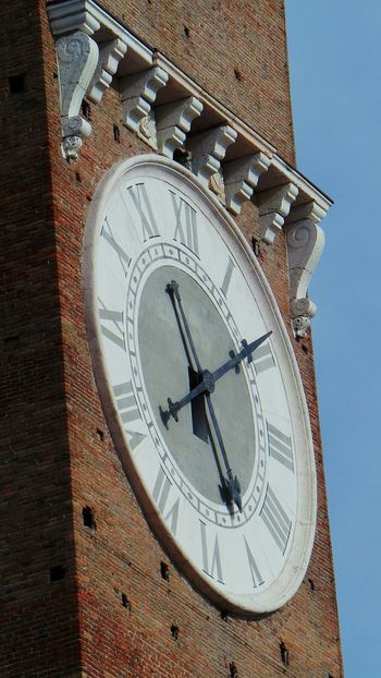 Time Clock Number Roman Numeral Clock Face Architecture Minute Hand Hour Hand Astrology Sign Astronomical Clock Outdoors Verona Verona Italy