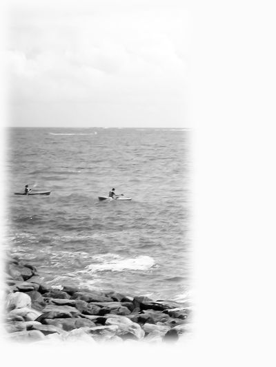 Me too little group of people on the water - this was kayak Ocean Coastline Summer Sports This Was Kayak Calm Sea View Kayaks Outdoors Sport Near Reefs Rocks Coastline Photography Tranquility Black And White - Water In Brittany, France