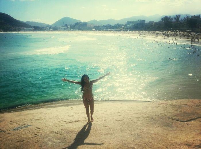 O mar já me trouxe muitas coisas boas, e hoje não foi diferente, dia lindo, sol e lua..