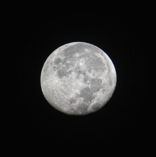 Celestron Celestronpowerseeker60az Powerseeker #telescope Astronomy Astro Astrophotography Outdoor Outdoors #moonshot #Luna #lunar #lunarviewing #movingaway #distant #theia #collision #Mobile Mobilephotography #sonyxperia SonyXperiaXZ #takenwithXperia #shotbyxperia Moon Full Moon Night Moon Surface Planetary Moon Circle Astronomy