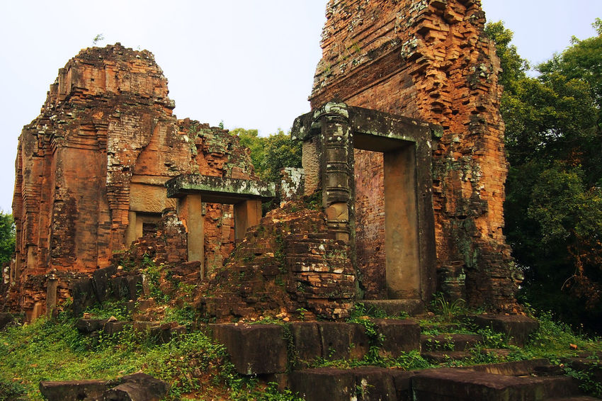 Cambodia Exploring Ruins Siem Reap Siem Reap, Cambodia Siĕmréab Tourist Attraction  Travel Travel Photography Traveling Wanderlust Abandoned Ancient Ancient Civilization Angkor Angkor Temple Angkor Wat Architecture Bad Condition Building Exterior Built Structure Damaged Day History Low Angle View No People Old Ruin Outdoors Phnom Bakheng Place Of Worship Religion Sky Spirituality Temple Tourism Tourist Destination Travel Destinations Weathered
