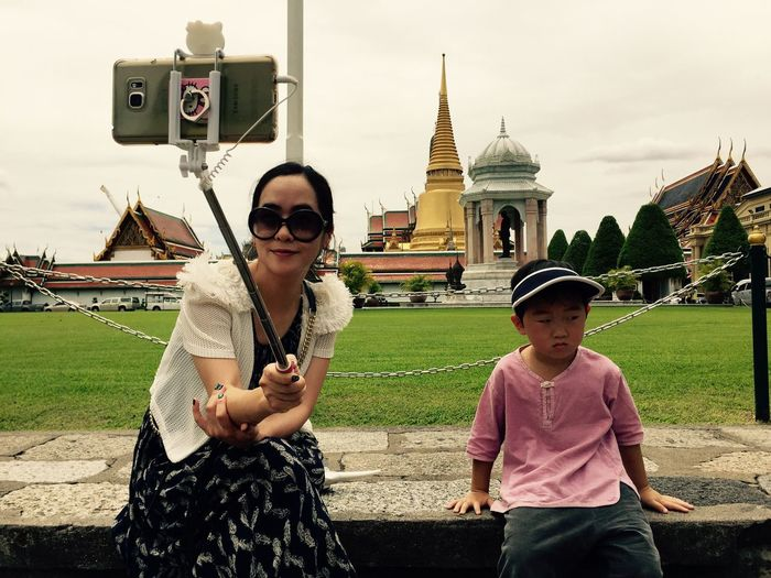 People Together Palace Mother And Son Self Portrait Selfie ✌ Summer Hot Weather Tourist IPhoneography Family