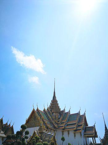 majestic King - Royal Person Arrival History Pagoda Sky Palace Praying Shrine Monastery