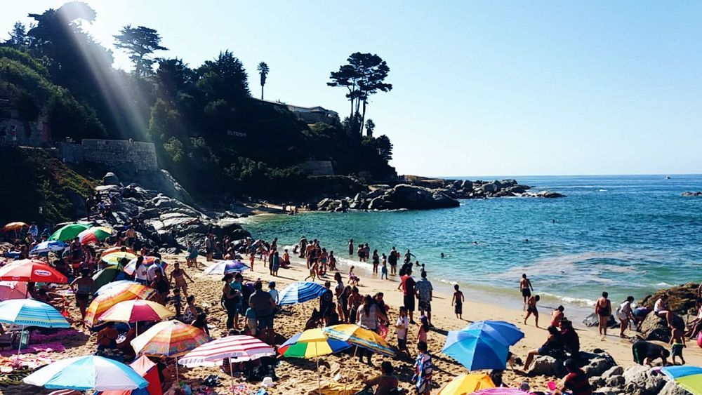 On sunny beaches🌊😎 Large Group Of People Sea Beach Relaxation Outdoors Water People Day Sky Coastal Town Coastal Life Summertime Summer Coastal Landscape Quintero Chile VSCO Coastal Views South America Southern Hemisphere The City Light