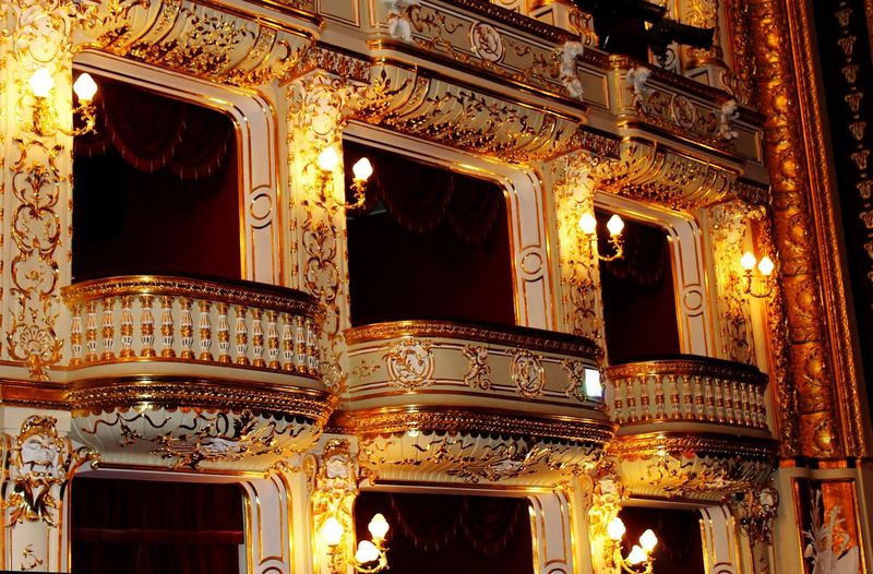 Arts Culture And Entertainment Stage - Performance Space Theatrical Performance Nightlife Luxury Balcony Event Stage Theater Elégance Musical Theater  Royalty No People Architecture Indoors  Auditorium King - Royal Person theatre