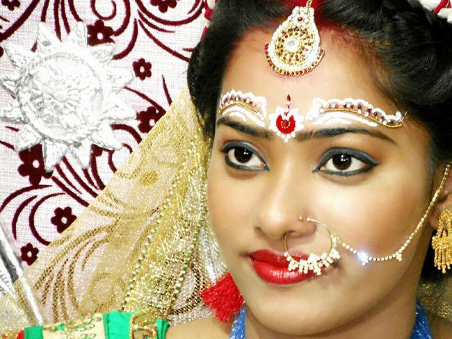 Color Portrait Potrait Of Woman Beautiful Bride ♥♥ New Life Shine Bright Like A Diamond  Happiness Human Emotion
