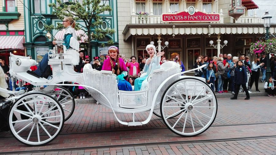 Disneyland Paris Calèche La Reine Des Neiges Frozen