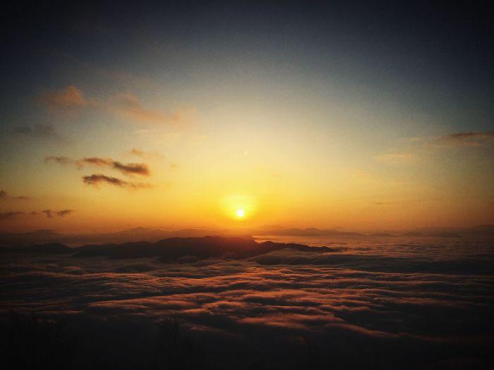 雲海な日の出 Toyooka City Sunset Sky Scenics - Nature Beauty In Nature Tranquil Scene Tranquility Idyllic No People Orange Color Outdoors The Great Outdoors - 2018 EyeEm Awards The Great Outdoors - 2018 EyeEm Awards