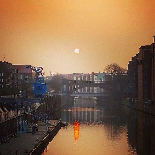 The force awakens: Good morning Hamburg ! Biketowork Barmbek Welovehh Instamorning Kanal Sunrise Sonnenaufgang