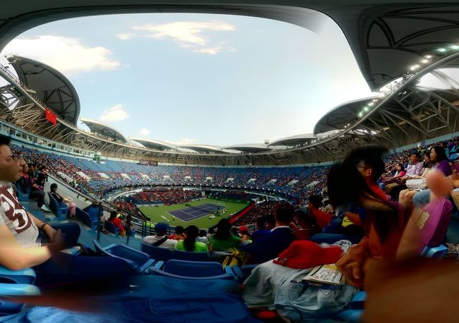 Even though I failed to take this photo,but I still like it??? Australian Tennis Open is open today Stadium At Shanghai