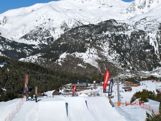 Photos of Pas de la Casa, Andorra 2010 Adult Beauty In Nature Cold Temperature Day Extreme Sports Mountain Mountain Range Nature Outdoors People Scenics Ski Holiday Ski Lift Snow Snowboarding Snowcapped Mountain Sport Tree Winter