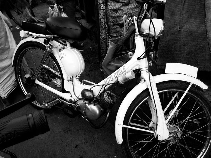 Embrace Urban Life Hipster Life  Transportation Hipsters Vintage Bicycles Vintage Style In The Crowd Still Standing
