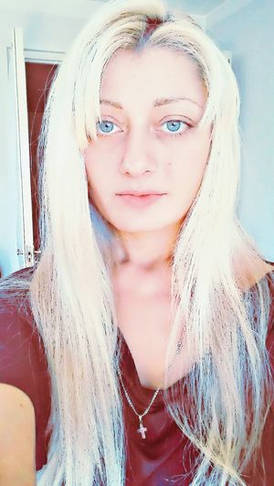 Portrait Human Face Human Body Part One Woman Only Close-up One Person Adult People Woman Of EyeEm Indoors  Long Hair, Don't Care. Blonde Hair Blue Eyes. Blond Girl Self Portrait Around The World Withoutmakeup Day Beautiful People