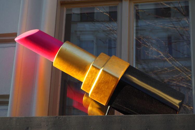Business Close-up Huge Lipstick Outdoor Sign Oversized Pink Lipstick  Sign
