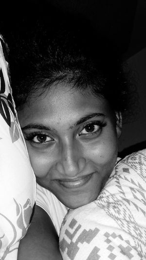 Sleepyhead Relaxing Selfietime Cheese! That's Me Monochrome_life Selfieoftheday Snugglytime Bedday Datewithmyself