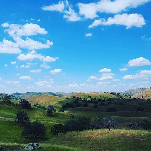 Yokohl Valley California Yokohl Valley Mountains Hills Oaktree Clouds