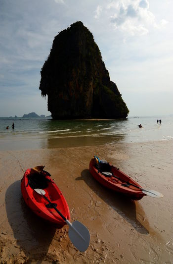 Railay Beach. Krabi, Thailand Beach Coastline EyeEm Thailand Kayak Kayaking Krabi Krabi Thailand Krabi, Thailand Railay Beach Rock Rock Formation Thai Thailand Travel Travel Photography Travelphotography Tropical Tropical Climate Tropical Paradise Spotted In Thailand The KIOMI Collection The Great Outdoors With Adobe The Great Outdoors - 2016 EyeEm Awards Let's Go Together