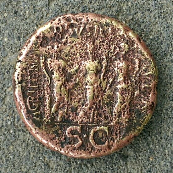 Backside old Coin / Caligula's Sisters / 10 sestertius / 37 / Customers Gardencoinfind Sesterzi Coin Oldcoins Caligula 37 Caligula Sisters No People Directly Above Close-up Textured  Day Outdoors