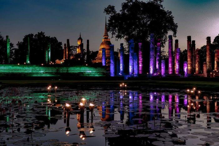 Reflection Tree Travel Destinations Outdoors Water Sky Illuminated Night Shadow And Light Thailand Sunset Reflection Statue Culture Sculpture Sukhothaihistoricalpark Sukhothai Buddhist Temple