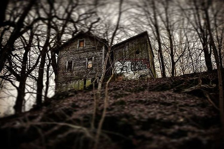 😱📷 Creepy House Mountain Wood Ghosthouse Tagsforlikes Like4like Followme Abandoned Trees Nature Småland Växjö  Dark Creepyhouse Photographer Picture Likes Instapic Swedishforest Forest Theblairwitchproject Nikond7200 Blairwitch @mack3lito @awesome_pixels