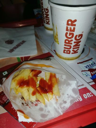 burger king😍👌😋 Honor8xphotography Banglore Banglorediaries Funtimes French Fries Tomato Sauce Mobilephotography Birgerking Western Script Close-up Sweet Food Food And Drink