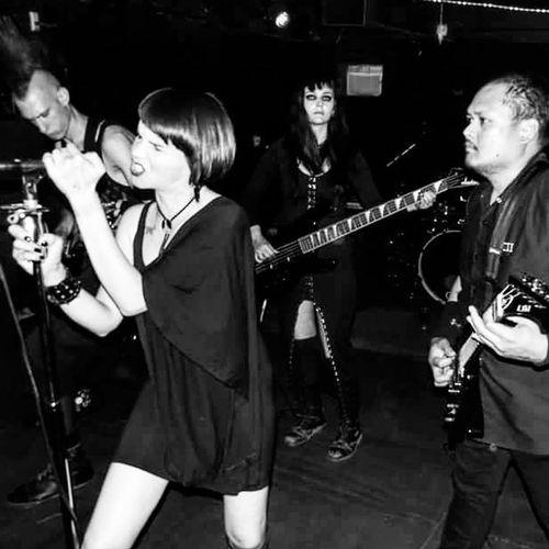 Live at Onthey in Sacremento GothicMetal Symphonicmetal femalefrontedmetal metalheadsofinstagram gothsofinstagram allofthemwitches darkmusic fantasymetal liveinconcert livemetal instametal symphonicmetalband