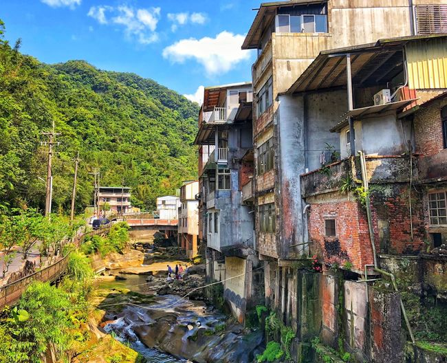 Special structures were built along with the river Shihding NewTaipeiCity Taiwan Architecture Built Structure Building Exterior Sky Nature Building Cloud - Sky Outdoors Sunlight House Go Higher EyeEmNewHere Inner Power