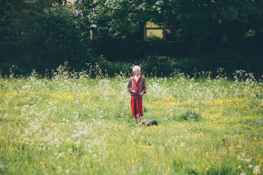 Abuelita Cambridge England Field Fields Granny Happiness Naturaleza Nature Smile Walk Walking Walking Around