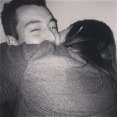 Eres todo lo que necesito. Abrazo Amor Risas