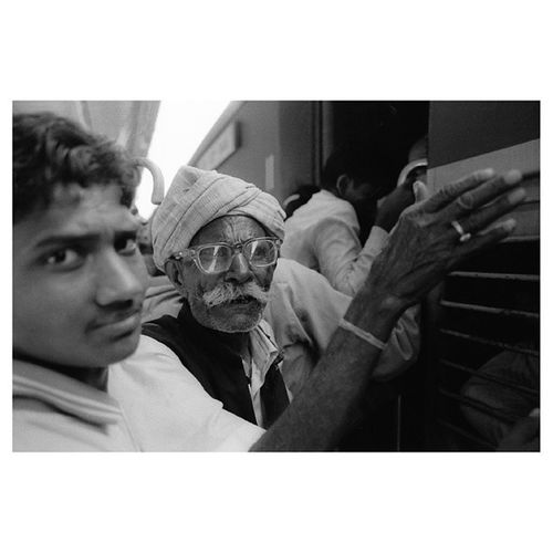 Jaipur Station, Rajasthan | Missing the hustle | LeicaM7 28mm TriX 400tx blackandwhite film | travel documentary india train trainstation