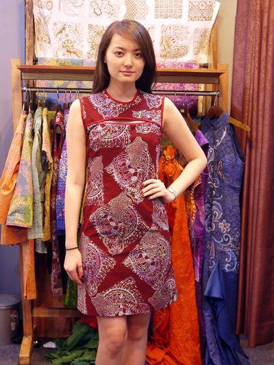 www.dkinnara.com Beautiful Indonesia Jakarta Batik BatikIndonesia I Love Batik Batikday Traditional Batik Model Modeling Models