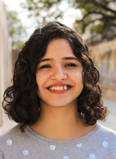 Portrait Headshot Looking At Camera Smiling One Person Front View Happiness Focus On Foreground Lifestyles Hair Young Adult Women Close-up Young Women Emotion Real People Hairstyle Casual Clothing Leisure Activity Body Part Beautiful Woman Human Face