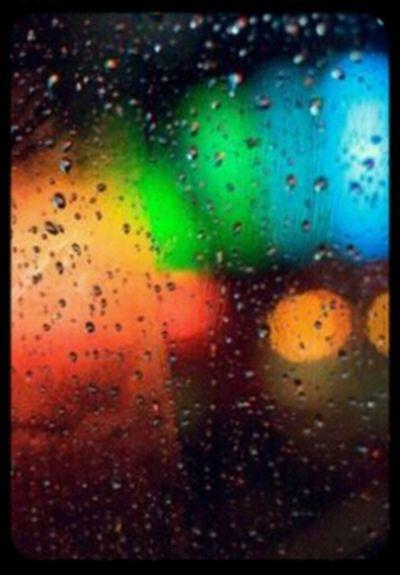 Atravesdemisojos ver la lluvia caer