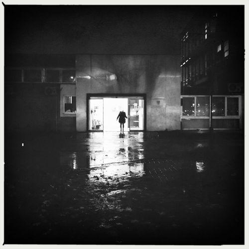 Enter the light Streetphotography Streetphoto_bw Peoplephotography Blackandwhite