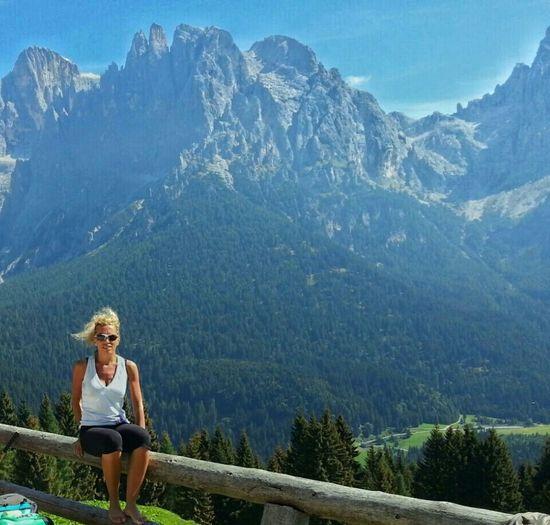 Montagne Malga Dolomiti Montagne Mountain View Landascape Holidays Italy Wind Freedom