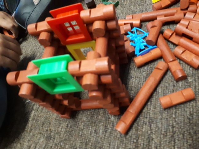 jugando EyeEm Selects Multi Colored Childhood Toy Block High Angle View Close-up Toy