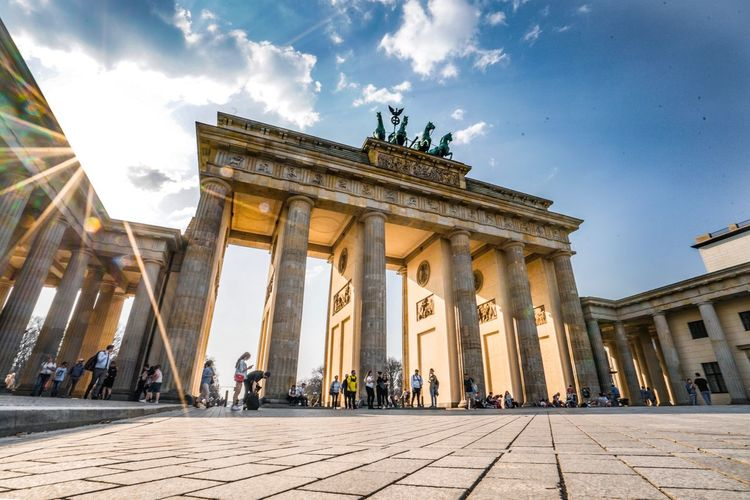 Sunset at The Gate - Brandenburg Gate Eyeem Philippines Wormseyeview Germany Architecture Travel Destinations Built Structure Sky Tourism Travel City Architectural Column Building Exterior The Past History Cloud - Sky Low Angle View Group Of People Nature Incidental People Sculpture Day Outdoors City Gate My Best Photo