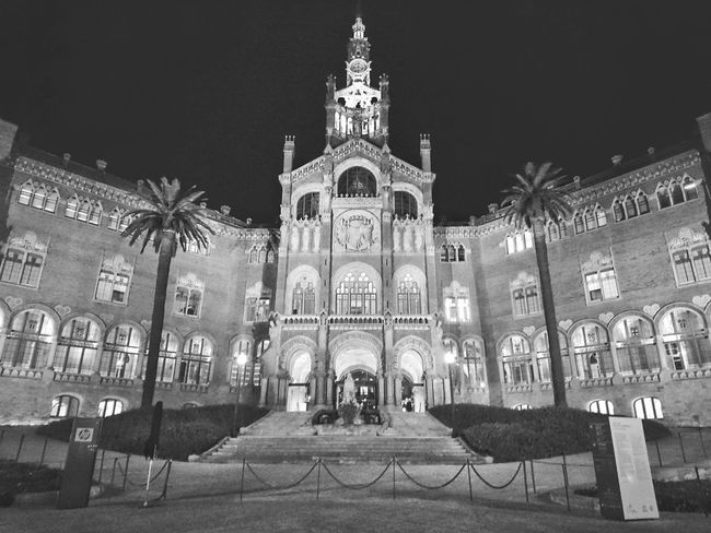 Sant Pau Recinte Modernista. Not Gaudi Night Architecture No People Illuminated Travel Destinations Outdoors Building Exterior Sky Barcelona Streets Barcelonacity Barcelonainspira Barcelona España gaudi barcelona City Architecture Cityscape EyEmNewHere