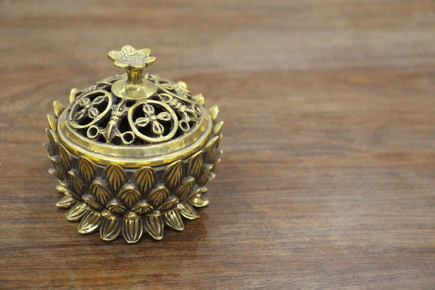 Antique Art Art And Craft Beauty Of China Censer Creativity Culture Culture Of China Decoration Design Home Interior Interior Design Interior Views Jewelry Metal Old-fashioned Oriental Oriental Style Still Life Table Textures And Surfaces