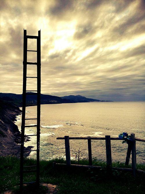 Escalera al cielo Relaxing Sea Sky Bizkaia Make Magic Happen Ladder Mar Cielo