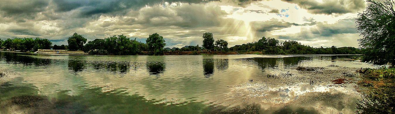แม่น้ำแควใหญ่ Relaxing Clouds And Sky ท้องฟ้ากับท้องน้ำ Enjoying Life Clouds Panorama Waiting View