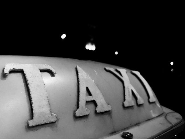 Hi,taxi ! Streetphotography Streetphotography Blackandwhite Monochrome Night