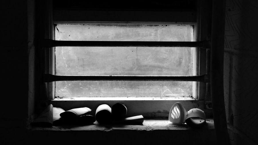 View through a dirty window Blackandwhite Blackandwhite Photography Window Dirty Window Toilet Window Toilets Bars Window Bars Mobilephotography Mobile_photographer Smartultra6 Mobilephoto Cardboard Tube Cardboard Glass Dirty