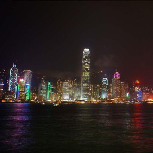 丁噹的有一種勇氣較放棄,真是唱入心坎 維多利亞港 香港 夜 過去 人生 放棄