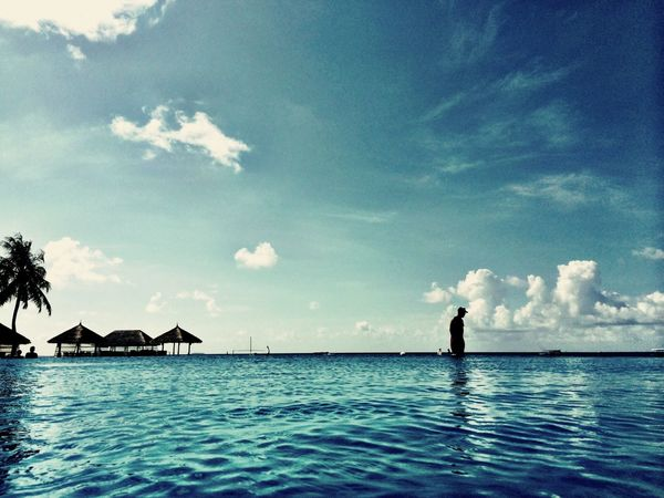 The Infinity Pool at Velassaru Infinity Pool Maldives Blue