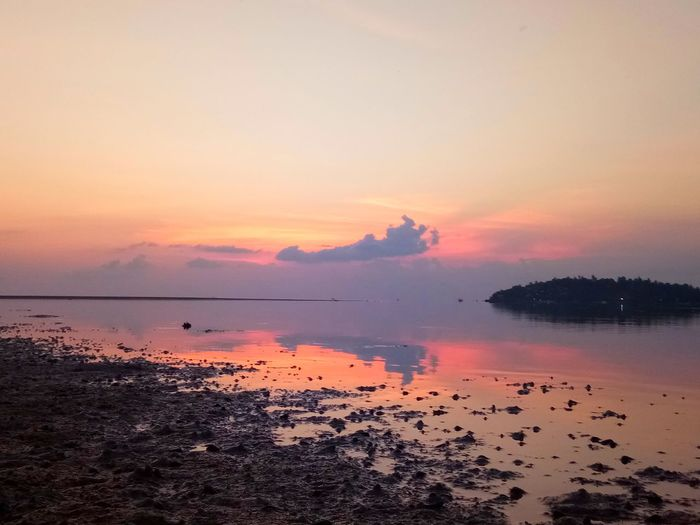 Backgrounds EyeEm Selects Nature Texture Water Sea Sunset Beach Silhouette Reflection Sky Horizon Over Water Landscape Sky Only Dawn Atmospheric Mood Sunrise - Dawn Dramatic Sky Moody Sky Romantic Sky