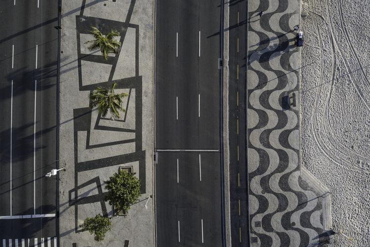 Ways Of Seeing Be. Ready. Bike Lane City Copacabana Morning Rethink Things Sidewalk Tree Beach Pattern Street Fresh On Market 2017 Summer Exploratorium Visual Creativity This Is Latin America #FREIHEITBERLIN Summer Road Tripping #urbanana: The Urban Playground A New Perspective On Life Capture Tomorrow